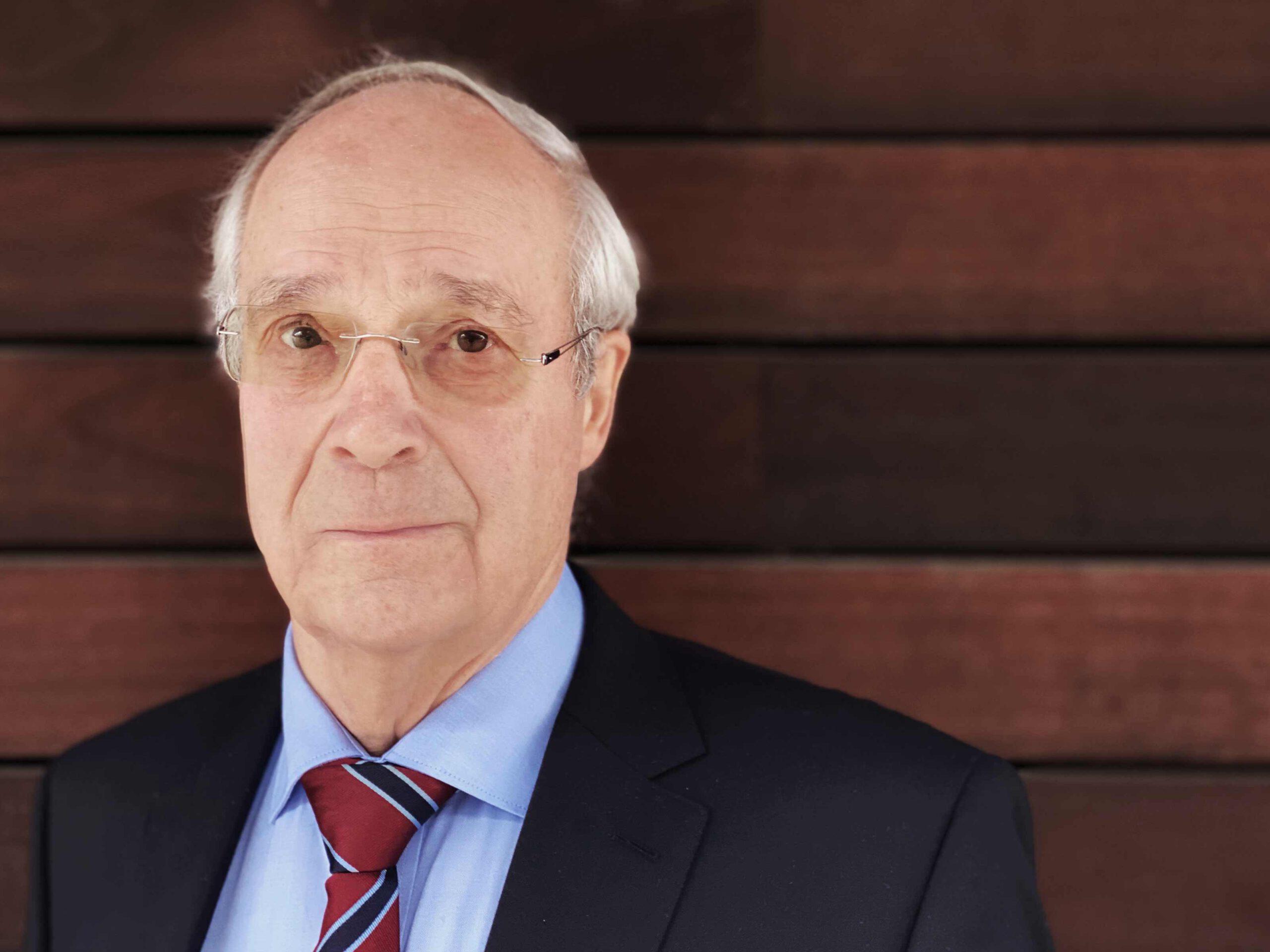 DR. GOTTFRIED VOLKMANN